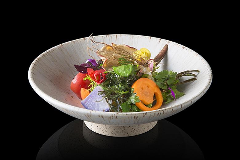 """""""サラダ"""" でコロナ時代を乗り越える。生産者・レストラン・消費者の未来の構築を ~『傳』 長谷川在佑 氏~"""